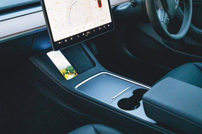 Tesla Model 3 2021 infotainment