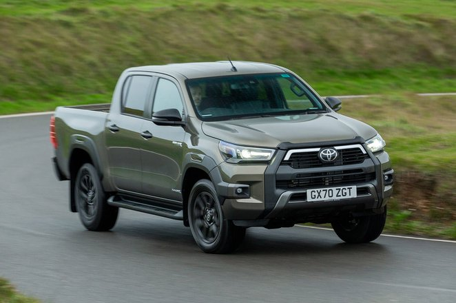 Toyota Hilux 2021 Front 3/4 tracking