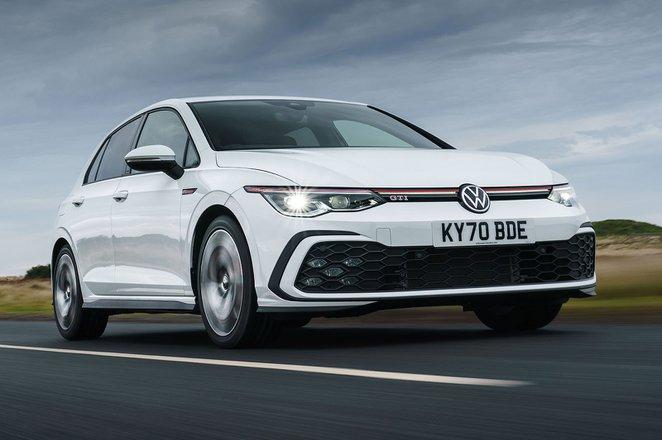 Volkswagen Golf GTI 2021 Front 3/4 tracking