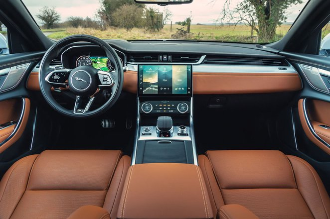Jaguar XF 2021 dashboard