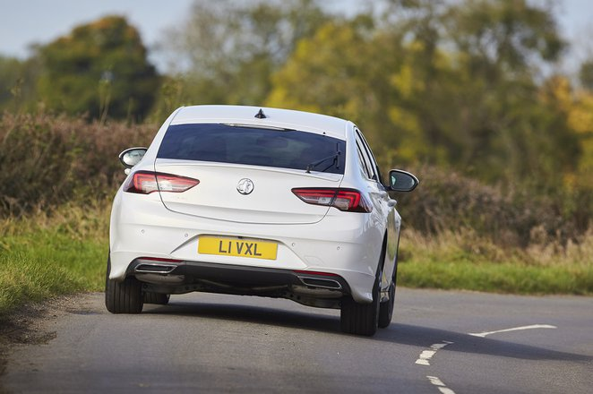 Vauxhall Insignia 2021 rear cornering