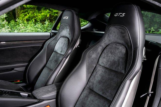 Porsche Cayman 2021 seats