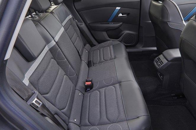 Citroën e-C4 2021 rear seats