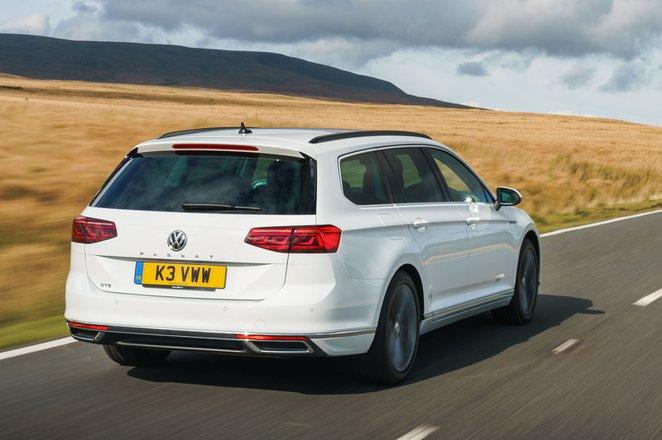 Volkswagen Passat GTE 2021 rear tracking