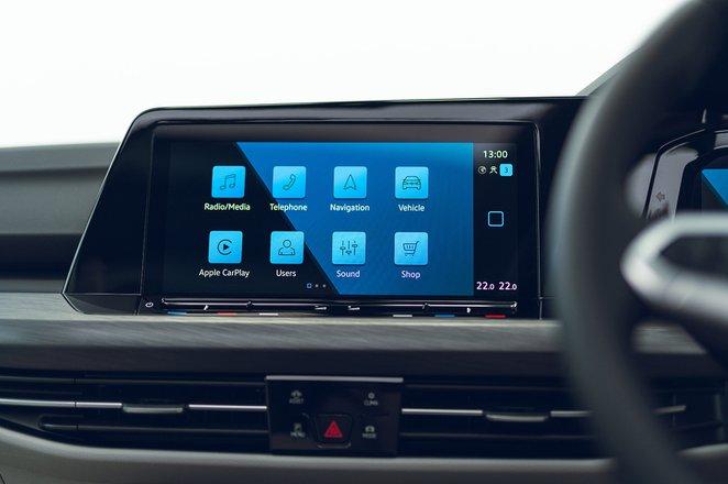 Volkswagen Golf Estate 2021 RHD infotainment