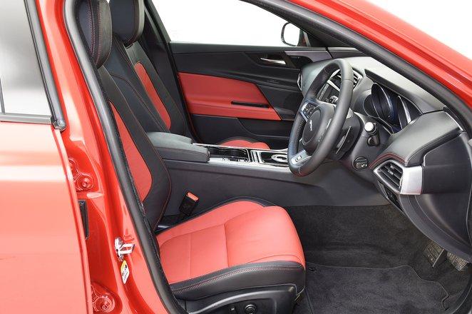 Jaguar XE front leg room
