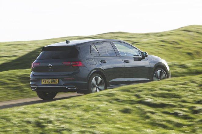 Volkswagen Golf GTE 2021 rear tracking