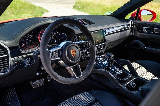 Porsche Cayenne Coupe GTS 2021 dashboard