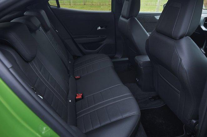 Vauxhall Mokka-e 2021 rear seats
