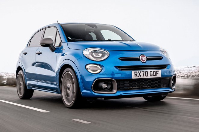 Fiat 500X 2021 front cornering