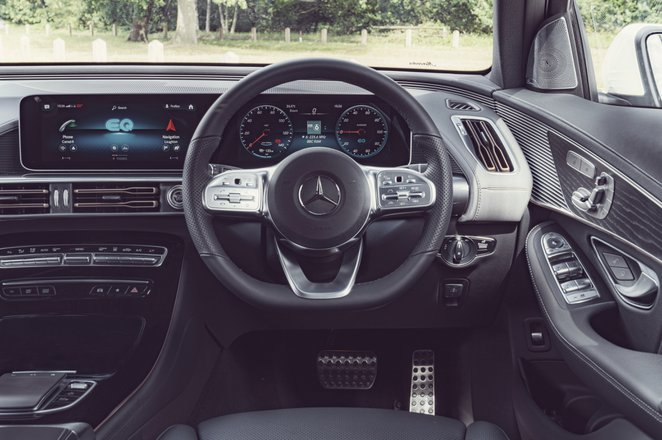 Mercedes EQC 2021 dashboard