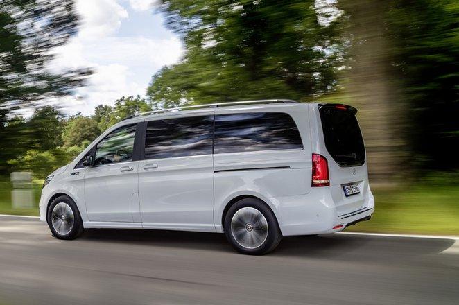 Mercedes EQV 2021 left tracking