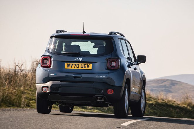 Jeep Renegade 4xe 2021 rear cornering