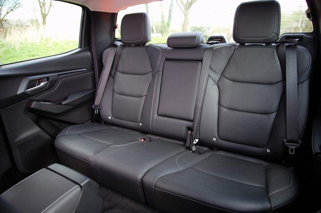 Isuzu D-Max 2021 rear seats