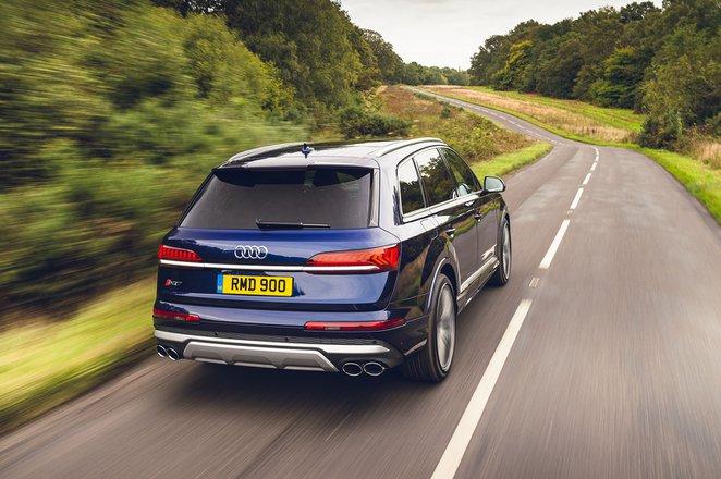 Audi SQ7 2021 rear tracking