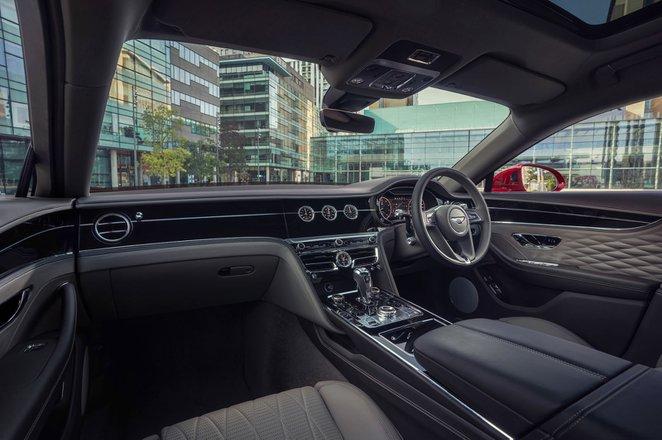 Bentley Flying Spur 2021 interior dashboard