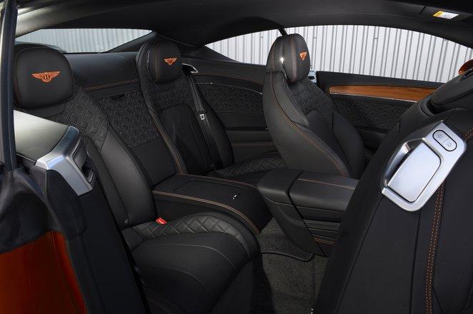 Bentley Continental GT 2021 interior rear seats