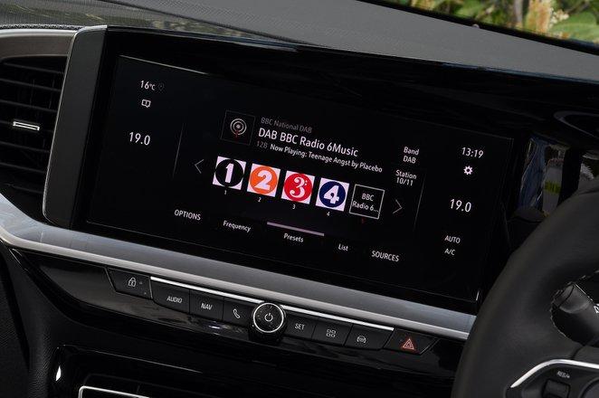 Vauxhall Mokka 2021 interior infotainment