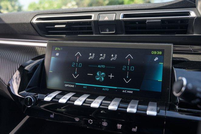 Peugeot 508 SW 2021 interior infotainment