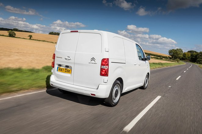 Citroën Dispatch 2021 rear tracking