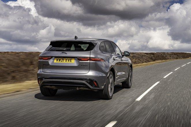Jaguar F-Pace 2021 rear tracking