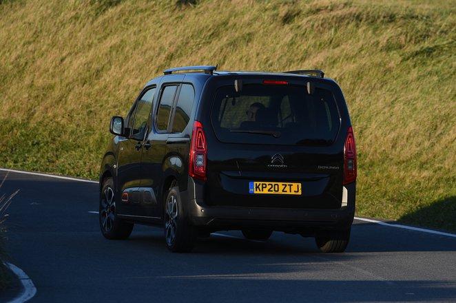 Citroën Berlingo 2021 rear cornering