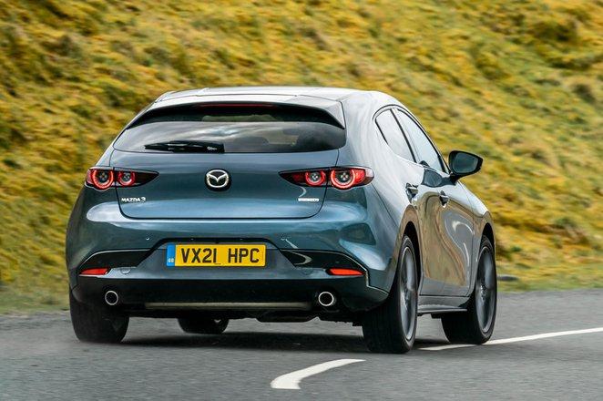 Mazda 3 2021 rear cornering