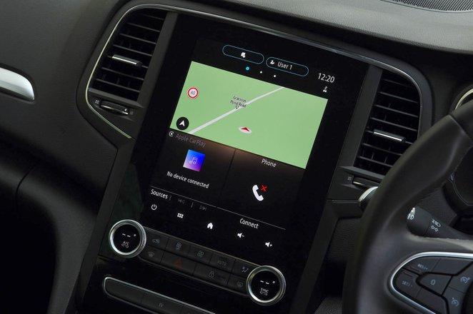 Renault Megane Sport Tourer 2021 interior infotainment
