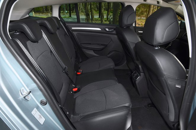 Renault Megane Sport Tourer 2021 interior rear seats