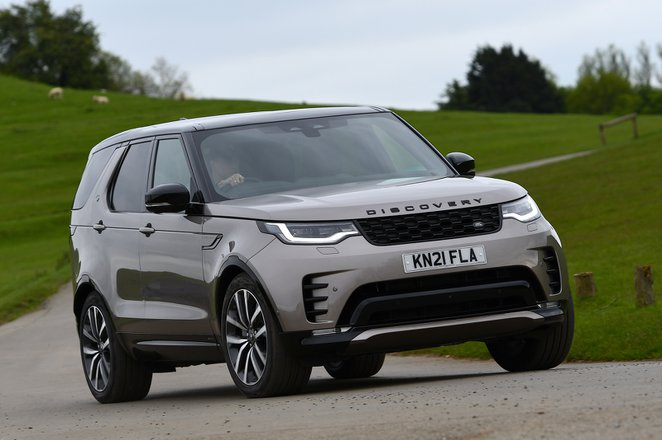 Land Rover Discovery 2021 front cornering