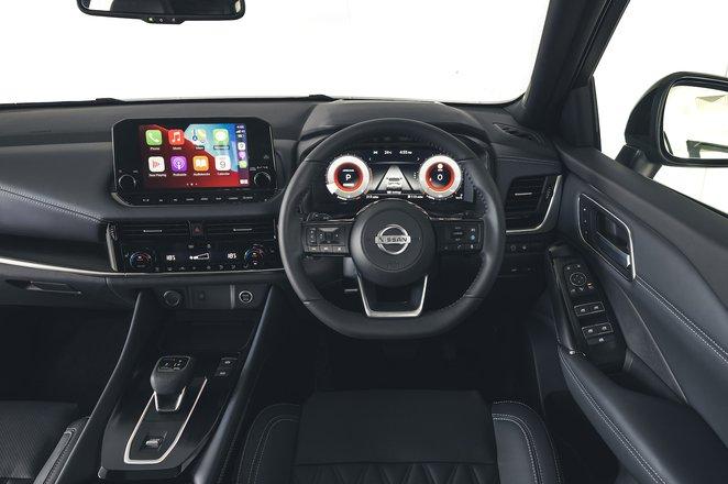 Nissan Qashqai 2021 interior dashboard