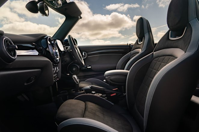 Mini Convertible 2021 interior front seats