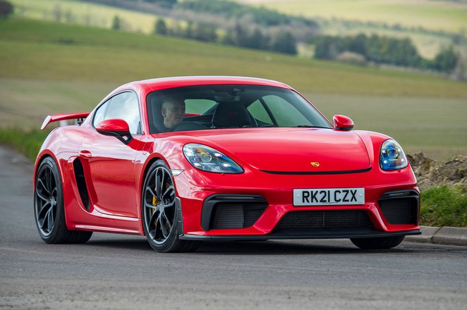 Porsche Cayman GT4 2021 front right tracking