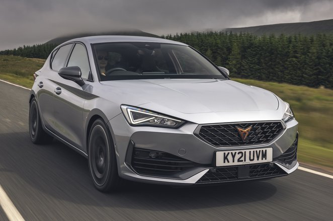 Cupra Leon Hatchback 2021 front right tracking