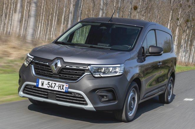 Renault Kangoo 2021 front left tracking