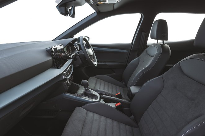 Seat Arona 2021 interior front seats
