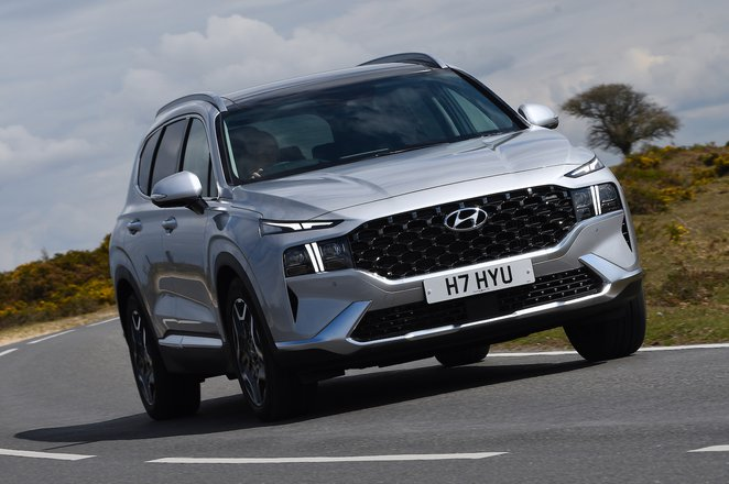 Hyundai Santa Fe 2021 front right tracking