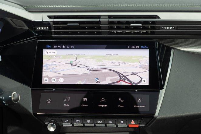 Peugeot 308 2021 interior infotainment