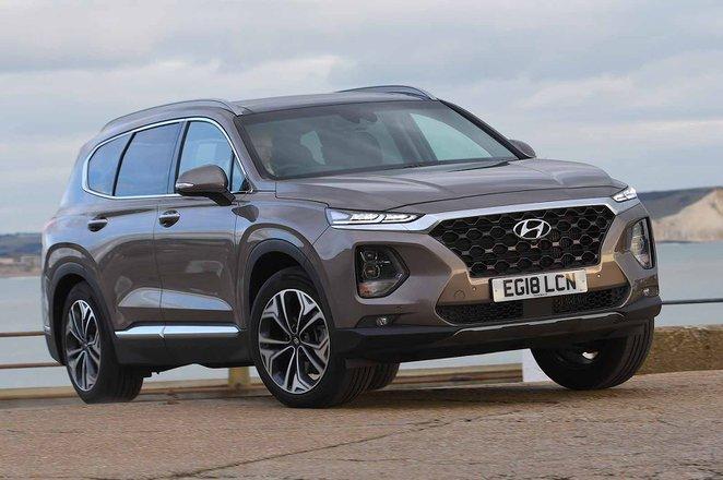 Hyundai Santa Fe 2019 right front outdoor static