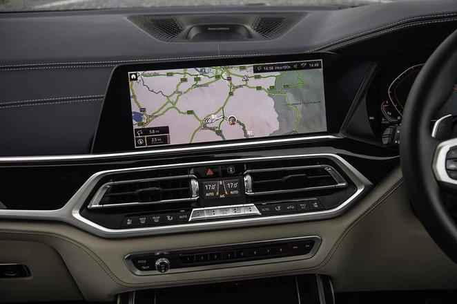 BMW X7 2019 RHD infotainment
