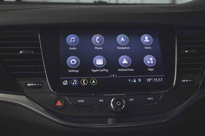 Vauxhall Astra 2019 facelift RHD infotainment