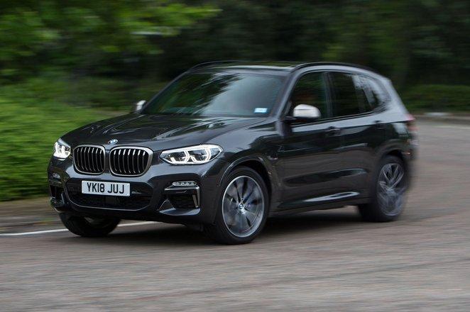 BMW X3 2021 front cornering