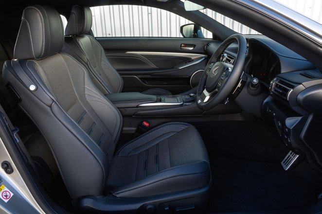 Lexus RC 2019 front seats