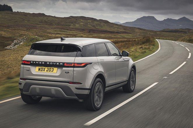 Range Rover Evoque 2021 rear tracking