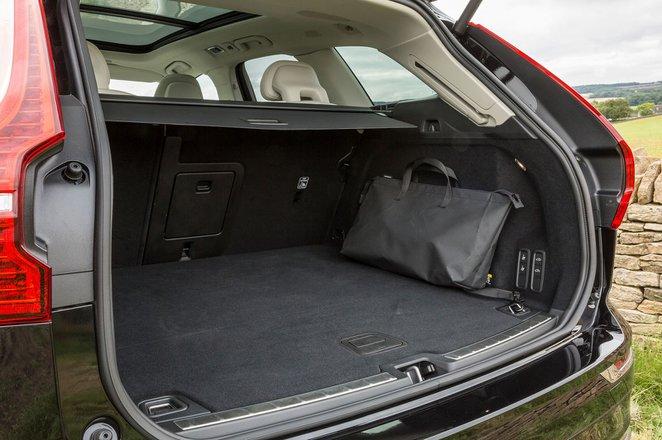 Volvo XC60 2019 boot open