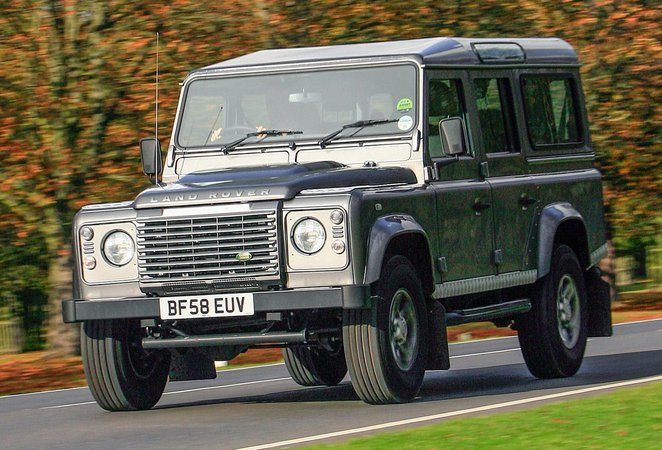 Land Rover Defender (90 - 16)