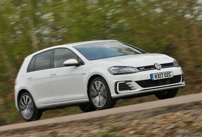 Volkswagen Golf Gte Review 2019 What Car