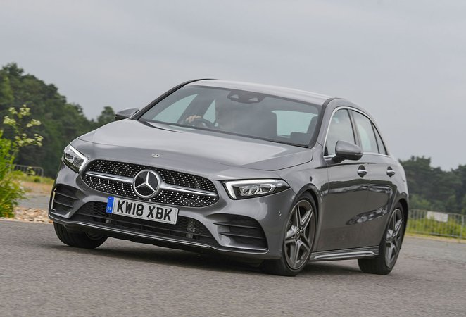 2018 Mercedes A-Class front cornering