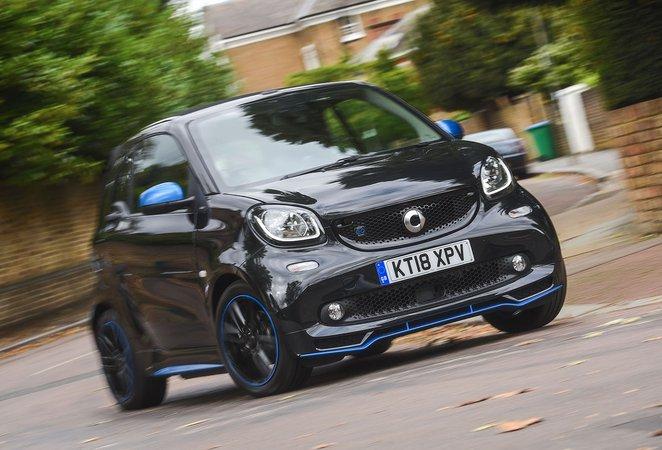 Smart ForTwo EQ Cabrio front cornering