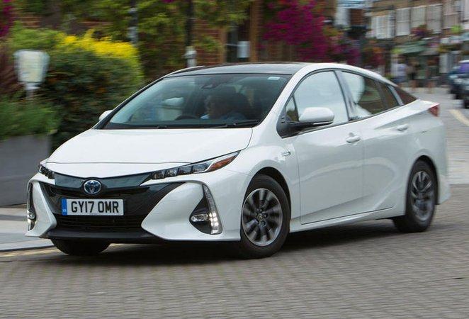 Used Toyota Prius Plug-in 2017-present